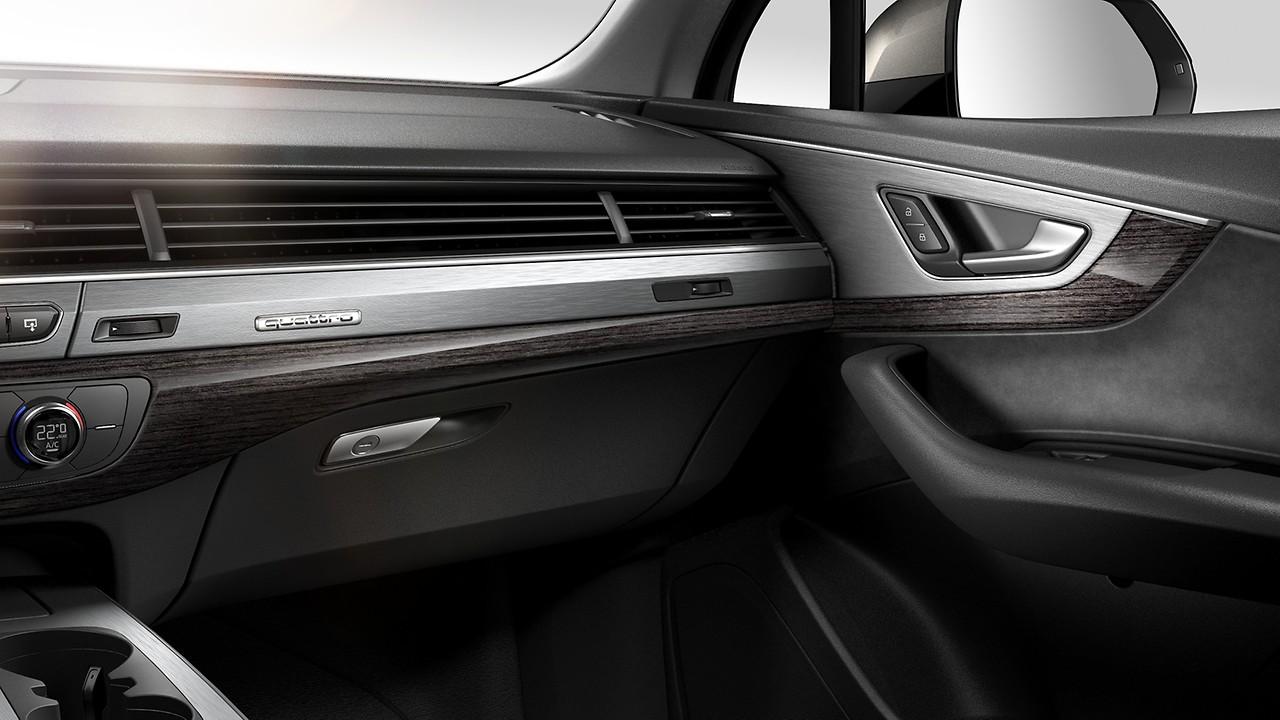 Декоративные вставки Audi exclusive: рояльный лак, черный