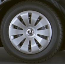 """Стальные колеса 40,6 см (16"""") с декоративным колпаком"""