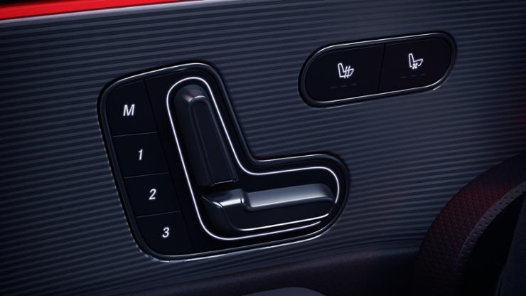 Водительское сиденье, с электрорегулировкой и системой запоминания параметров