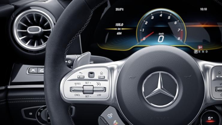 Кнопки на рулевом колесе AMG